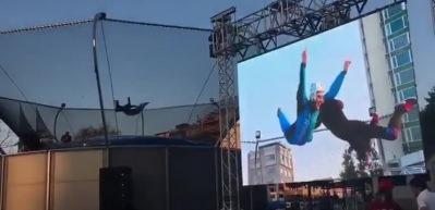 Burası Taksim! İnsanlar havada uçtu!