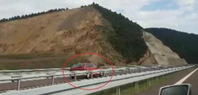 Bursa'da otobanda meydana gelen feci kaza kamerada!