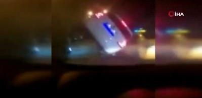 Canlı yayın yaparken kazayı görüntüledi