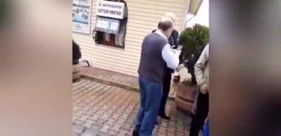 CHP'li Aksünger vatandaşın üzerine aracını sürüp küfür etti