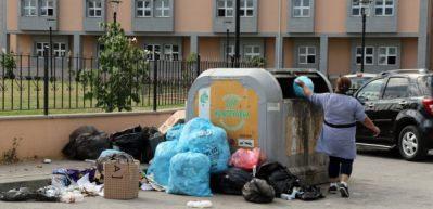CHP'li belediye maaşları vermedi, çöpler sokakta kaldı