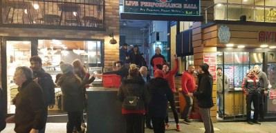 CHP'liler il binası önünde toplandılar: Bu adaya oy yok!