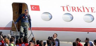 Cumhurbaşkanı Erdoğan TEKNOFEST'e pilot tulumuyla geldi