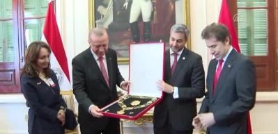 Cumhurbaşkanı Erdoğan'a Devlet Nişanı verildi