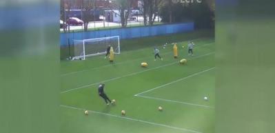 Danny Ward'dan idmanda harika gol!