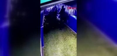 Derbide koridordaki kavga kamerada