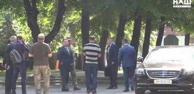 Devlet Başkanı Zelenskiy Savunma Bakanı'nı itti: Kenara çekil!