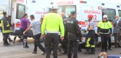 Direksiyon hakimiyeti kaybolan işçi servisi takla attı: 23 yaralı