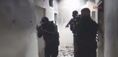 Diyarbakır'da 15 el yapımı patlayıcı bulundu