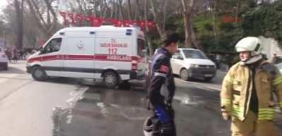 Dolmabahçe Sarayı önünde motosiklet yandı