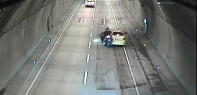 Dolmabahçe Tüneli'ndeki kaza kameraya yansıdı