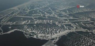 Donan Nazik Gölü'nün eşsiz görüntüleri havadan görüntülendi