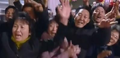 Kuzey Kore lideri gözyaşlarıyla karşılandı