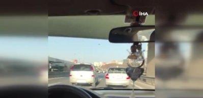 E-5'te iki inatçı sürücü trafiği birbirine kattı