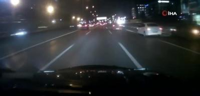 E-5'te makas atan sürücünün çarptığı araç takla attı