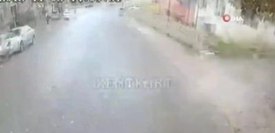 Ehliyetsiz sürücünün neden olduğu kaza kamerada