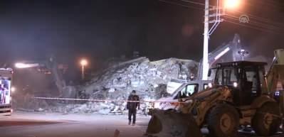 Elazığ'da deprem - Gezin'de çöken binada arama kurtarma çalışmaları