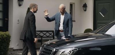 Emekli olan Daimler CEO'suna BMW'den 'göndermeli' veda!