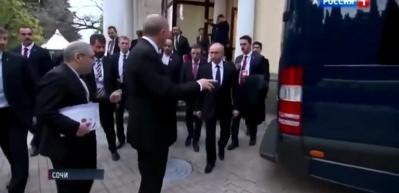 Erdoğan ile Putin arasında iki samimi diyalog! Erdoğan: Umarım beni orada bırakmazsın
