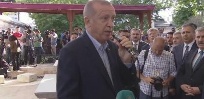 Erdoğan: Mursi'nin naaşından korkacak kadar...