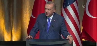 Erdoğan: 'Pasaportlarımız ülkelerimiz ayrı olsa da yönümüz bir kıblemiz birdir'