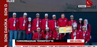 Erdoğan, TEKNOFEST'te dereceye giren takımlara ödül verdi