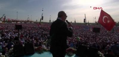 Erdoğan'dan İstanbul'da tarihi mesajlar