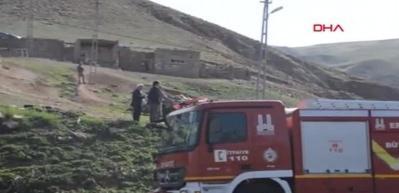 Erzurum'da kaçakları taşıyan kamyon devrildi: 2 ölü, 101 yaralı