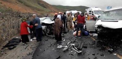 Erzurum'da trafik kazası: 5 ölü, 10 yaralı