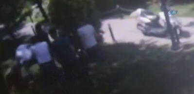 Esenler'de çocuk parkında silahlı kavga kamerada