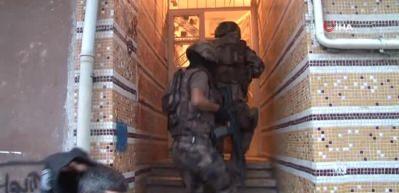 Esenler'de şafak vakti narkotik operasyonu: 35 gözaltı