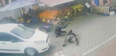 Esenyurt'ta yaşlı çiftin ölümden döndüğü kaza kamerada
