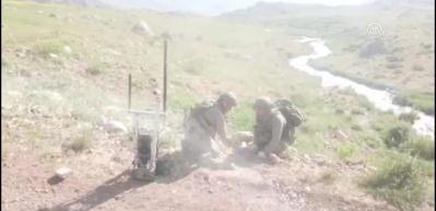 Etkisiz hale getirilen teröristler yola patlayıcı tuzaklamış