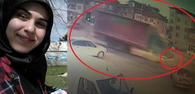 Feci kaza! Motosikletli genç kız kamyonun altında kaldı