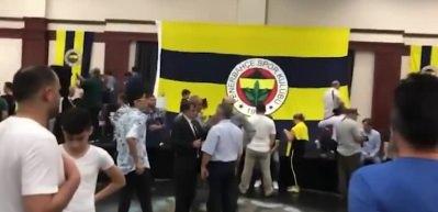 Fenerbahçe'nin bayramlaşma töreninde Galatasaray marşı!