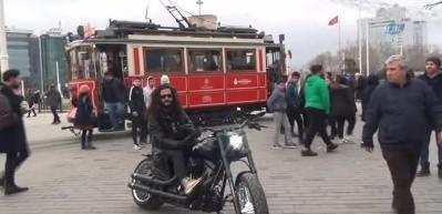 """Fenomen olan """"Çılgın Türk"""" motoruyla Almanya'dan İstanbul'a geldi"""