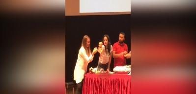 Fizyoterapi ve ebe Ferda Saraçoğlu'dan kabız bebekler için masaj yöntemi!