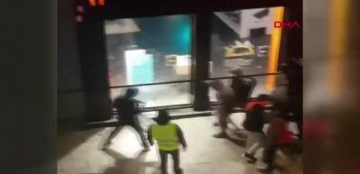 Fransa'da göstericiler mağaza yağmaladı