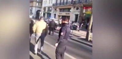 Fransa'da polis, 5 kişiyi bıçaklayan saldırganı öldürdü