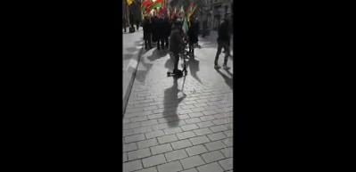 Fransız kadın PKK yandaşlarına haddini bildirdi!