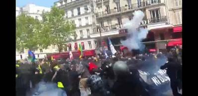 Fransız polisinden 1 Mayıs dayağı
