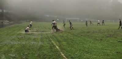 Futbol maçı değil su savaşı...