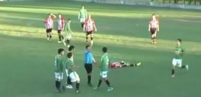 Futbolcu yumrukla hakemi öldürdü!