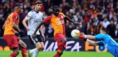 Galatasaray evinde Benfica'ya boyun eğdi