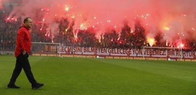 Galatasaray taraftarı çıldırdı! Derbi öncesi...