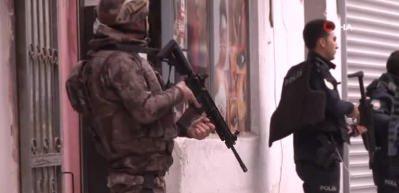 Gece kulübüne silahlı baskın: Özel harekat olay yerinde!