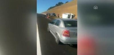 Hafif ticari araç devrildi: 2 ölü, 3 yaralı