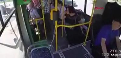 Hareket halindeki otobüsten atlayan anne ve çocuğu ölümden döndü