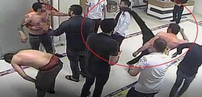 Hastanede doktor ve güvenlik görevlisine saldırı kamerada