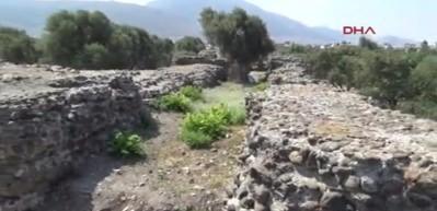 Hatay'da tarihi tapınak gün yüzüne çıkarılıyor